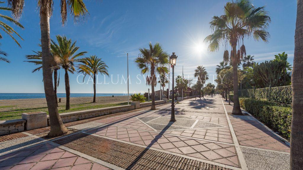 El precioso paseo marítimo de Marbella