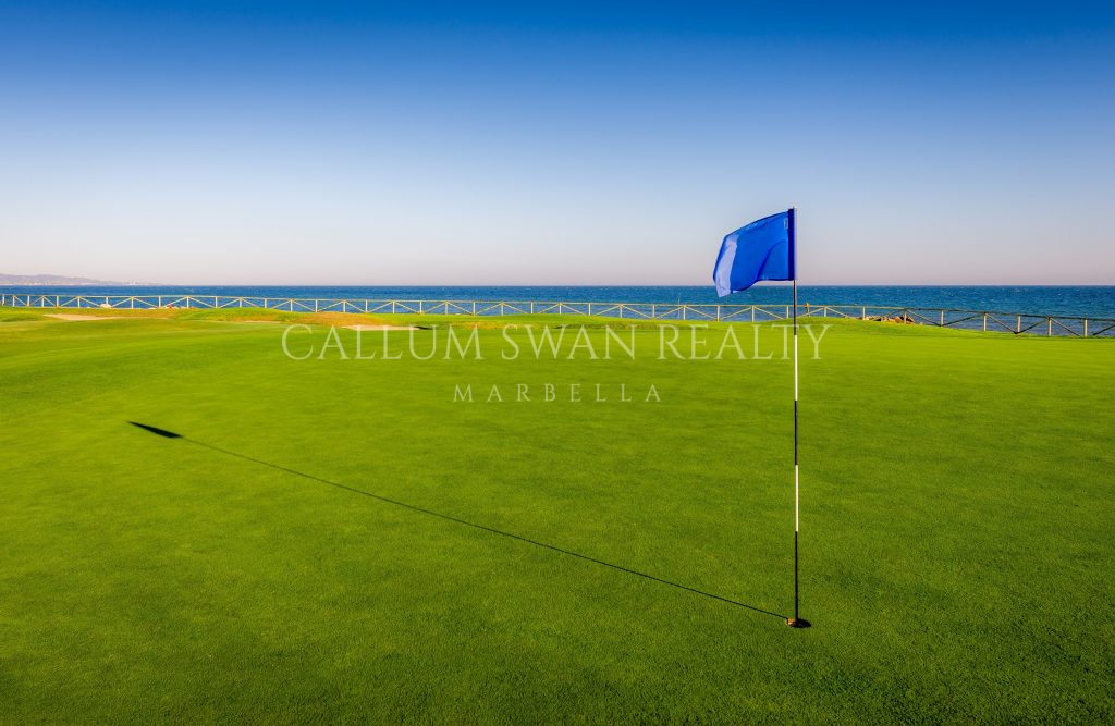 Marbella villas in golf location