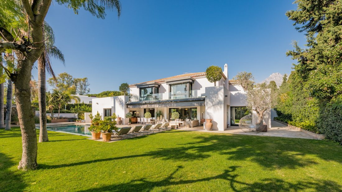 Modern Mediterranean chic in Las Torres de Marbella Club, Golden Mile