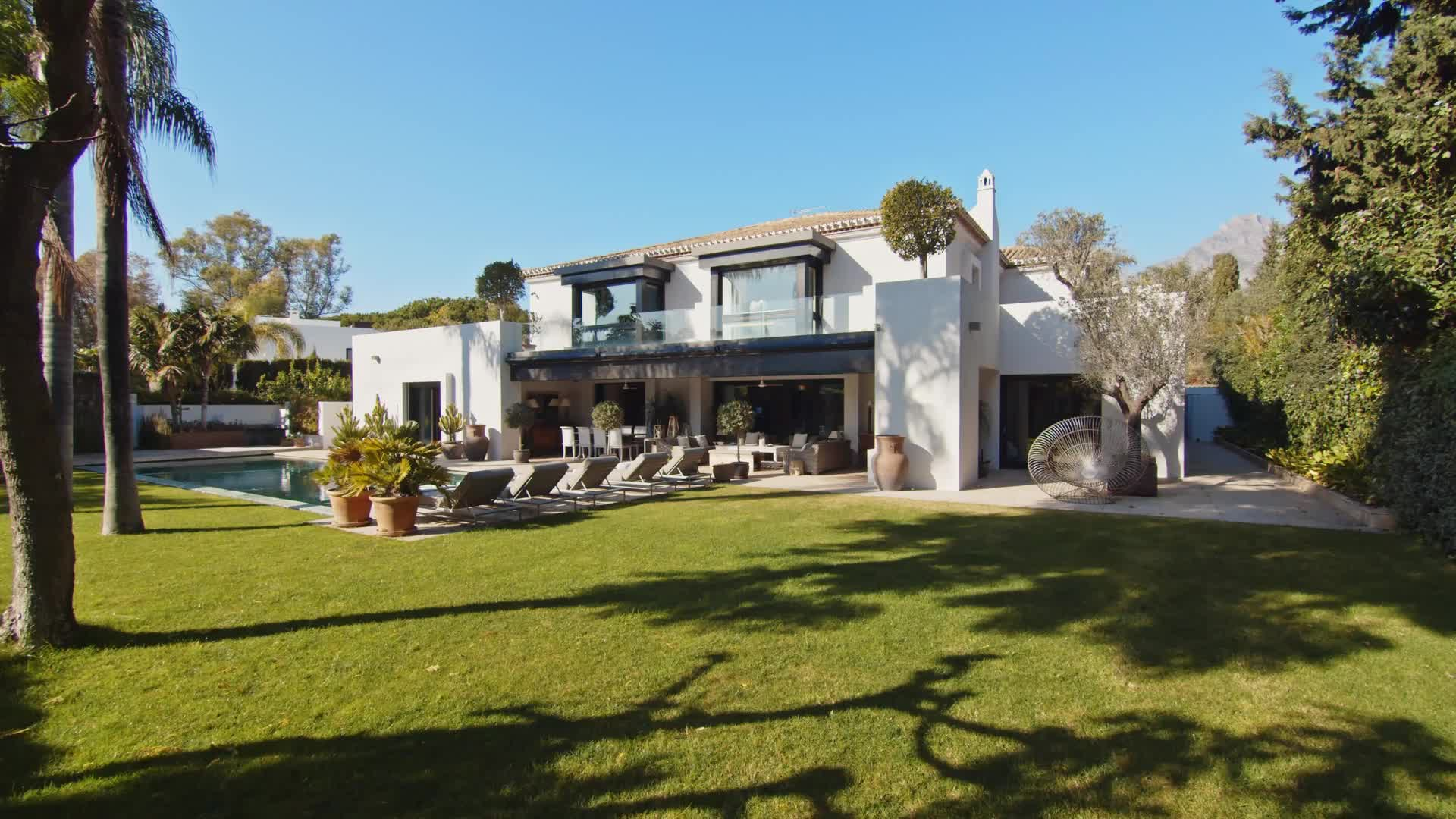 Extraordinary Homes for Sale in the finest areas of Marbella